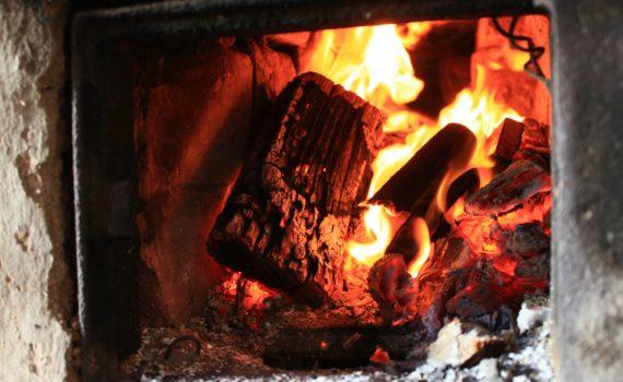 Печь может и дом сжечь.